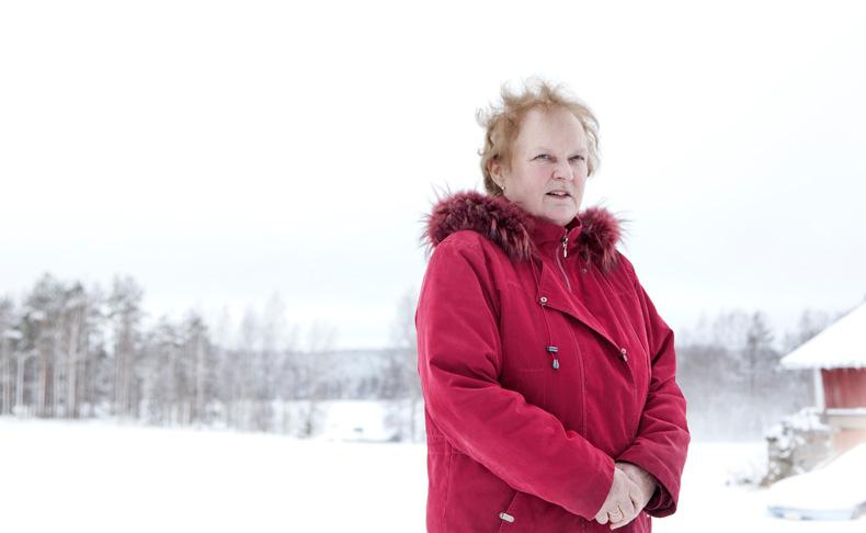 Anneli Tirkkonen tulee toimeen leskeneläkkeellä ja kansaneläkkeellä.