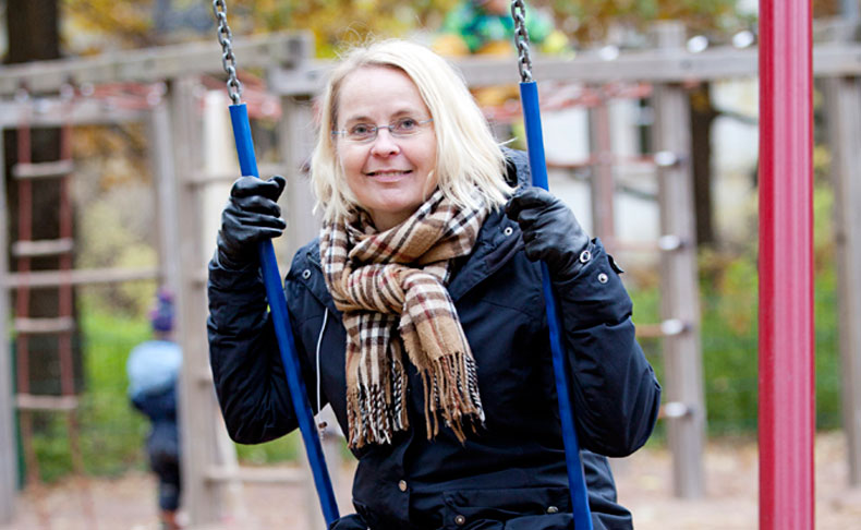 Suomalainen perhepolitiikka ei ota huomioon muuttuvia perhemalleja ja vuoroasumista, sanoo tutkija Mia Hakovirta.