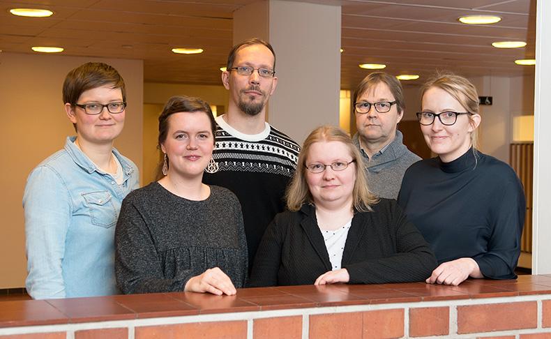 Toimeentulotuen tutkijakuusikko Tuija Korpela, Hanna-Mari Heinonen, Ilpo Airio, Elina Ahola, Markku Laatu ja Minna Ylikännö