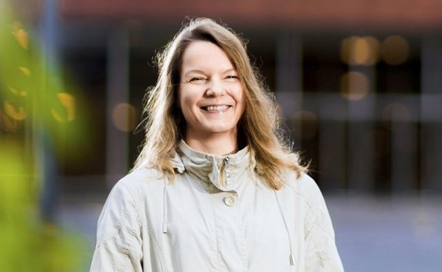 Katja Pynnönen työskentelee Jyväskylän yliopiston Agnes-hankkeessa, jossa selvitetään 70–, 75- ja 85-vuotiaiden vuotiaiden kuntalaisten aktiivisuuden yhteyttä toimintakykyyn ja hyvinvointiin.