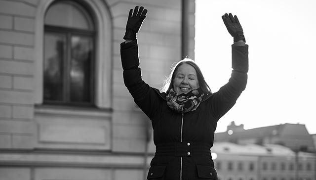 TOIMI-hankkeessa pohditaan myös elämisen edellytyksiä. Niihin kuuluvat toimeentulon lisäksi osallisuuden, arvostuksen ja merkityksellisyyden kokemukset, kertoo Liisa Heinämäki.