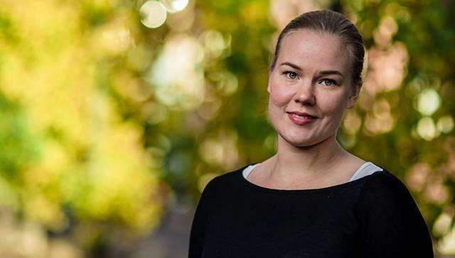 """""""Jos olisin valmistunut kolme päivää aikaisemmin tai tienannut parisen euroa vähemmän, olisin voinut pitää yhden kuukauden opintotuen"""", kertoo 2 500 euroa opintotukia palauttava Mari Järvinen."""